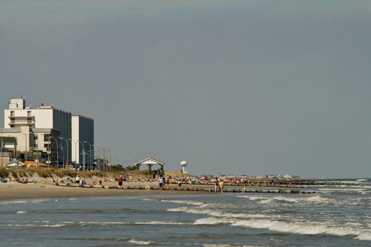 Sea Isle Beach-Sunny Day